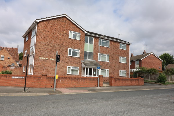 Flat 4, Redland House, Cherry Orchard - Click for more details