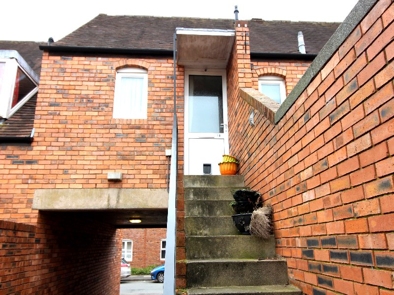 1b Lower Priest Lane - Click for more details