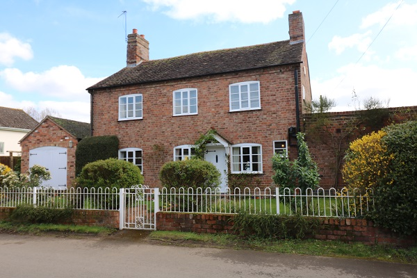 Orchard View, Church Street, Birlingham - Click for more details