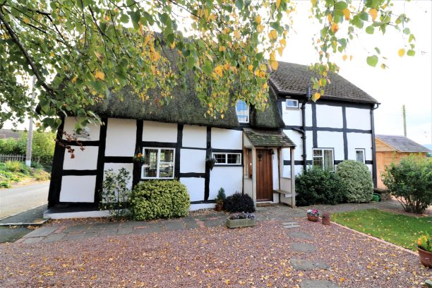 Little Cottage, Middle Lane, Cropthorne - Click for more details