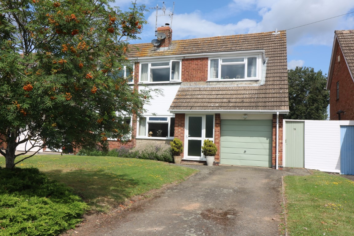 19 Monks Way, Peopleton - Click for more details