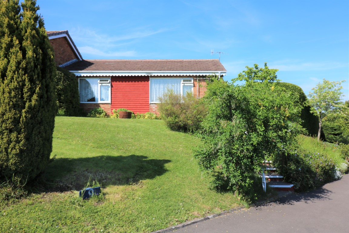 9 Holloway Drive, Pershore, WR10 1JL - Click for more details