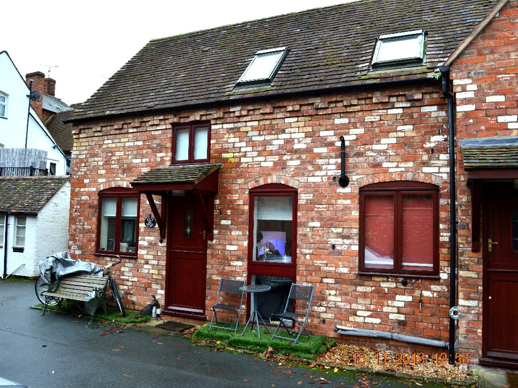 Holly Cottage, Bridge Street - Click for more details