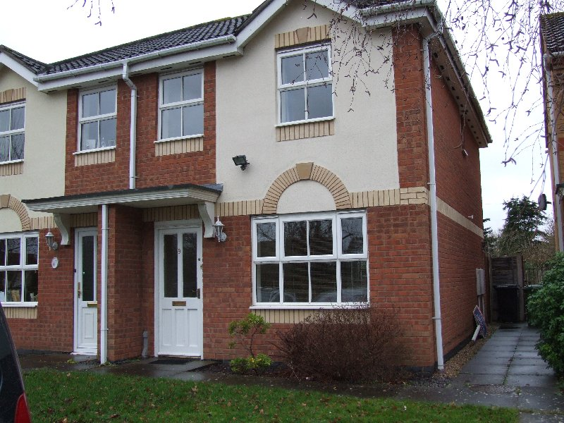 9 Emes Close - Click for more details