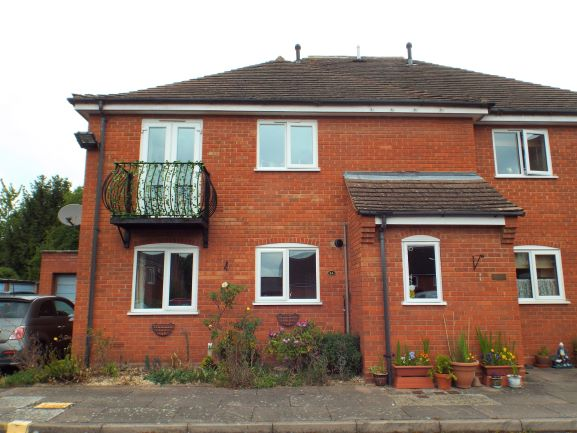 14 Old Market Court Pershore - Click for more details